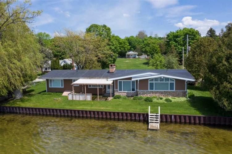 915 Lower Lake Drive, Boyne City, MI 49712