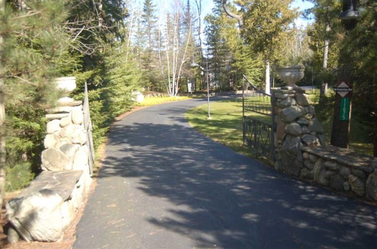 11675 N Pa Be Shan Trail, Charlevoix, MI 49720