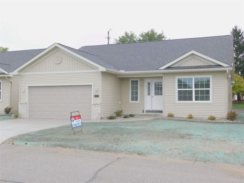 2610 Kitty Hawk Circle, Midland, MI 48642