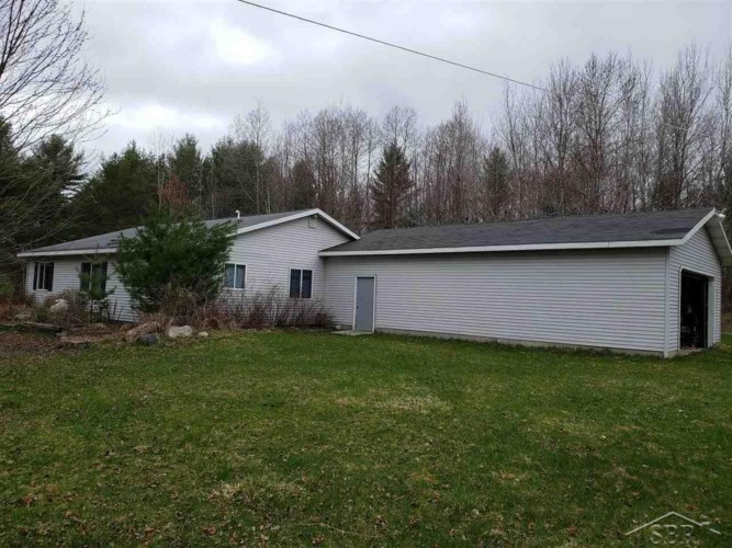4254 S Harrison, Houghton Lake, MI 48629