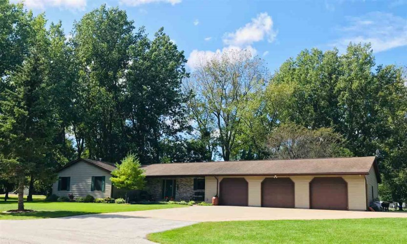 3320 Harris Lane, Bay City, MI 48706