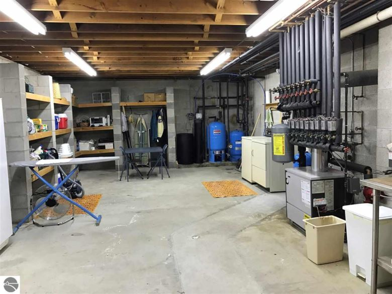 250 Beach Road, Frankfort, MI 49635