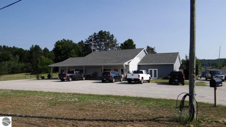 9899 Honor Highway, Beulah, MI 49617