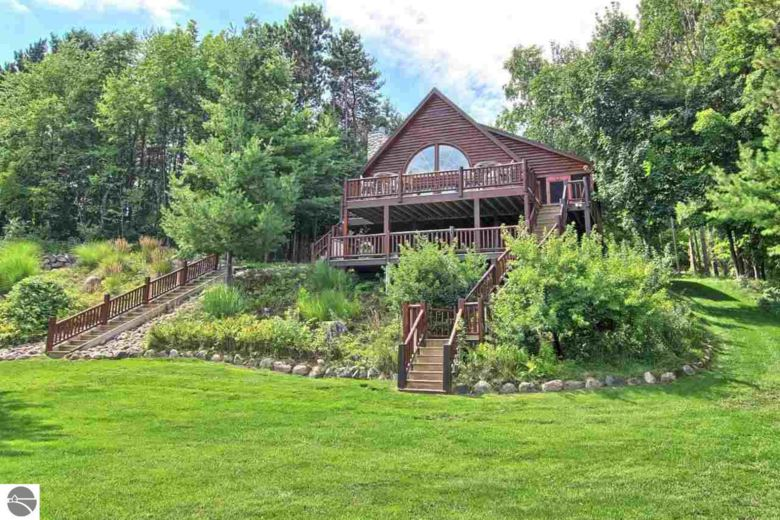 1903 Haywards Pine Trail, Kewadin, MI 49648