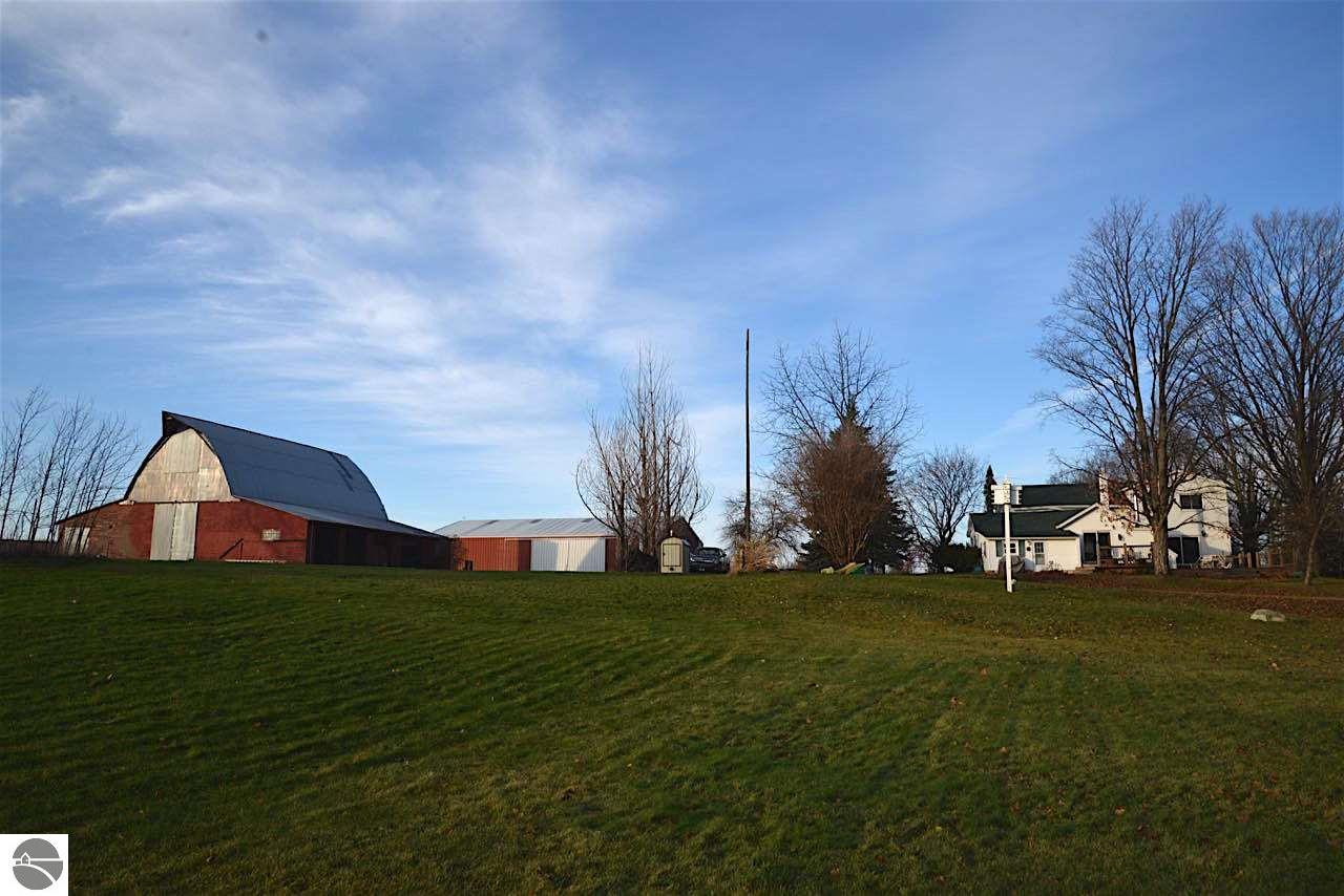 8900 Townline Road, Williamsburg, MI 49690