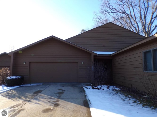 131 W North Shore, Cadillac, MI 49601