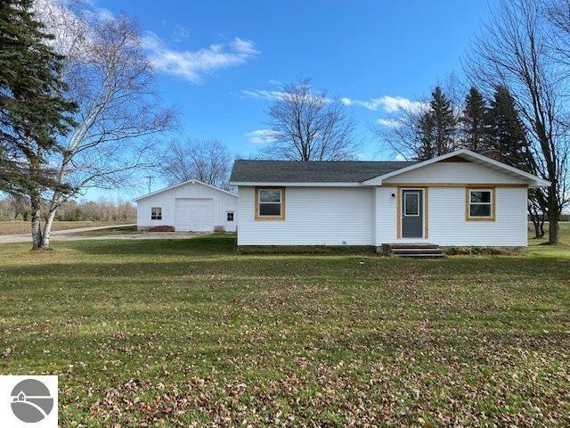 5661 Dickerson Road, Lake City, MI 49651