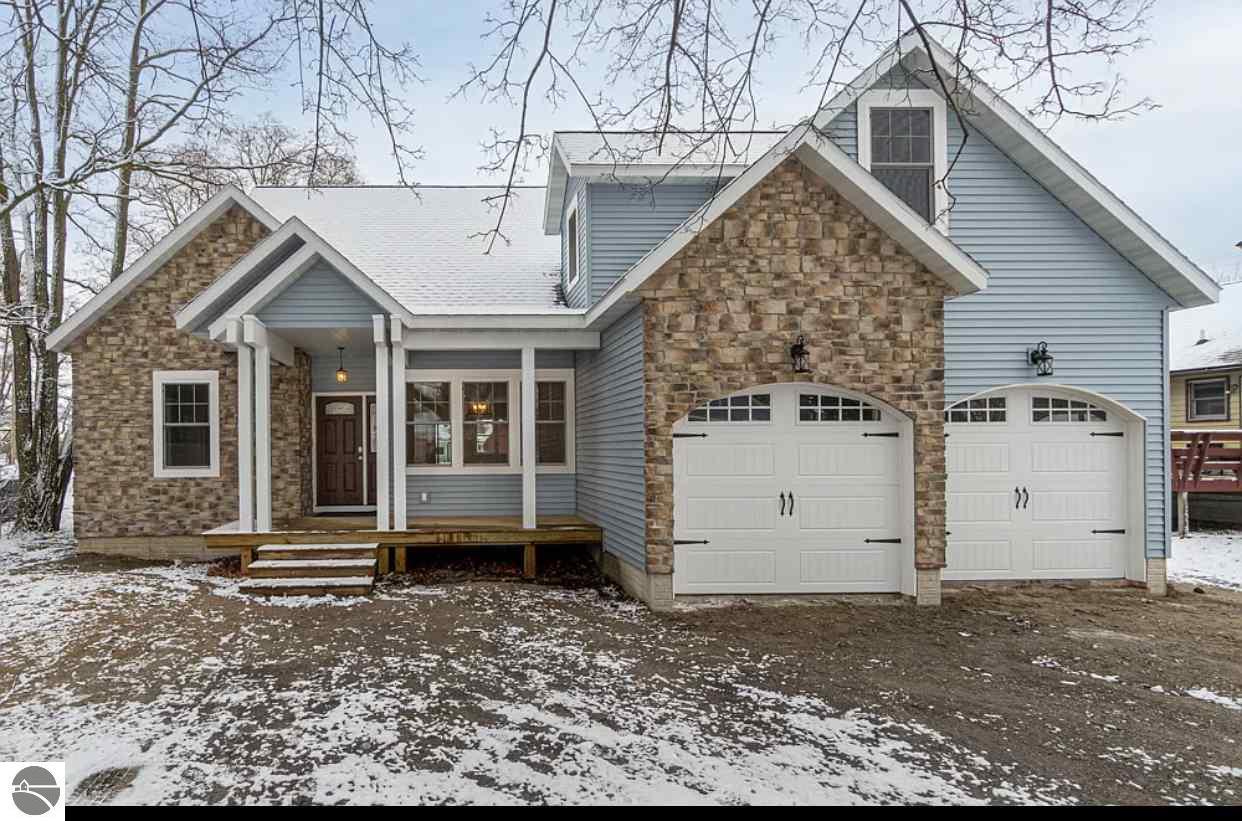 517 Cedar Street, Elk Rapids, MI 49629