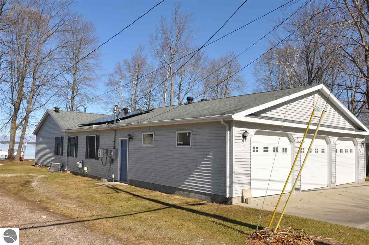 2057 Long Point, Houghton Lake, MI 48629