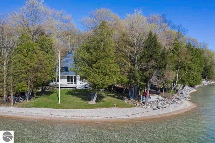 3778 SE Torch Lake Drive, Bellaire, MI 49615