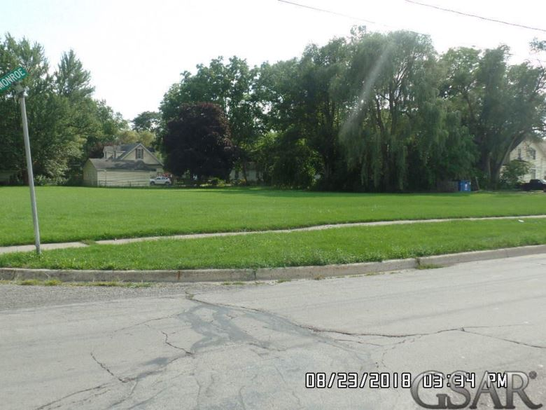 715 S Washington, Owosso, MI 48867