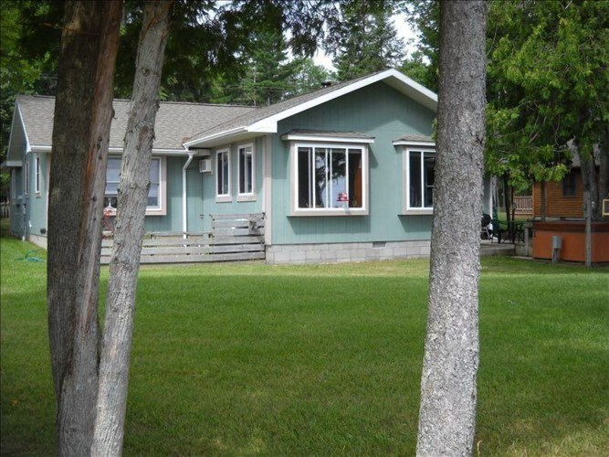 4254 N Lakeshore Drive, Black River, MI 48721