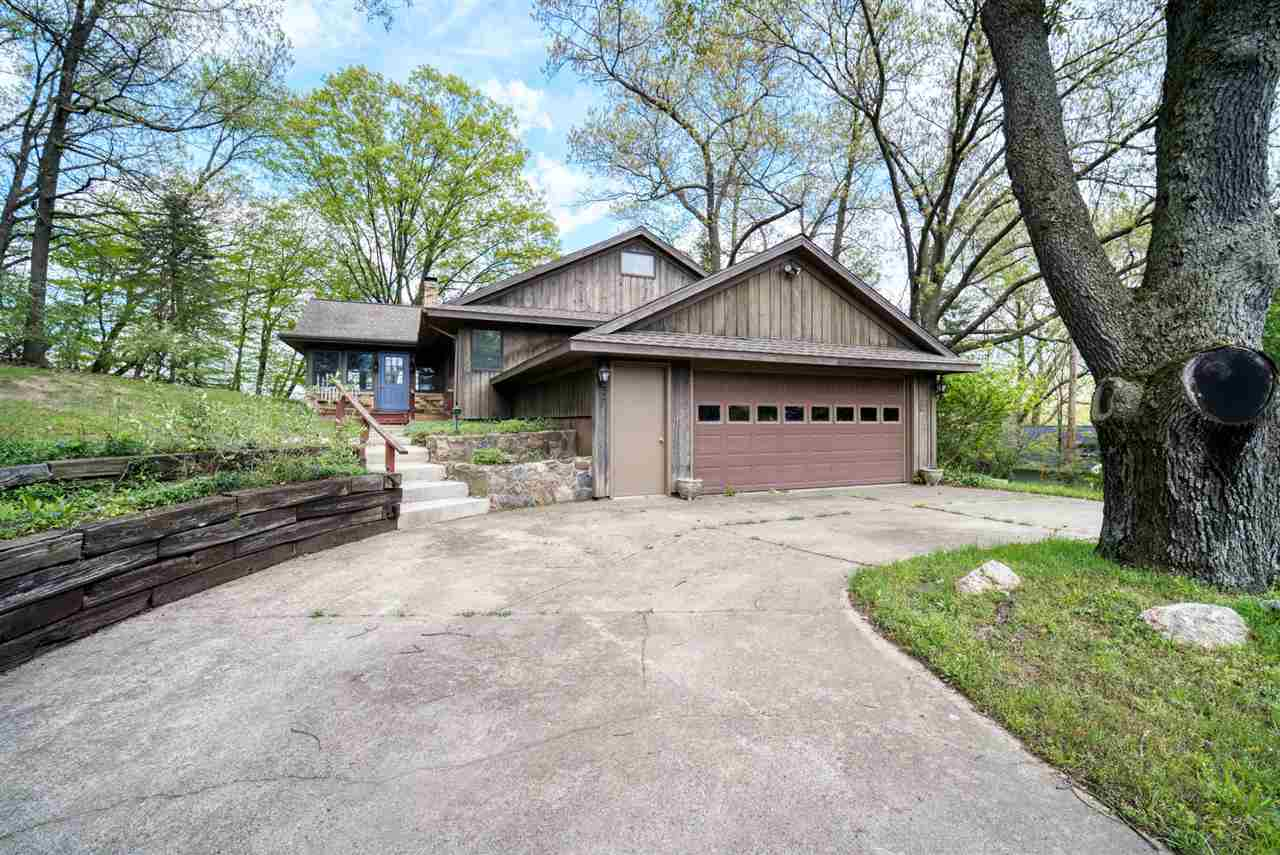 12430 S CRYSTAL LAKE DR, Cement City, MI 49233