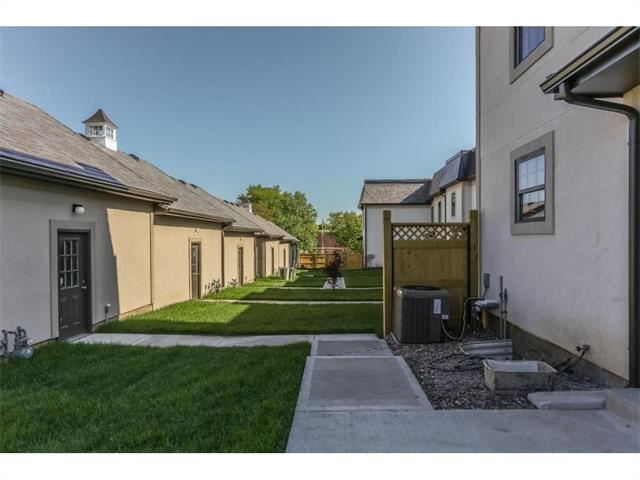 303 N Liberty Street Unit 11, Independence, MO 64050