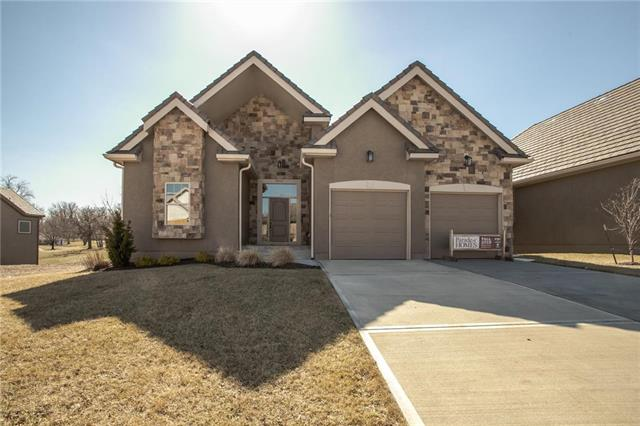 3813 NW Cimarron Street, Lee's Summit, MO 64064
