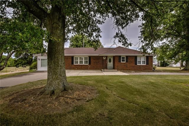17370 W 175th Street, Olathe, KS 66062