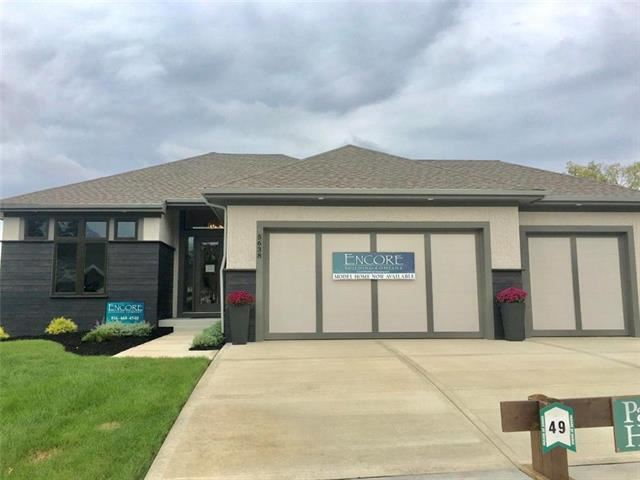 5638  Thousand Oaks Drive, Parkville, MO 64152