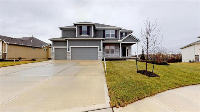 804 Canyon Lane, Lansing, KS 66043