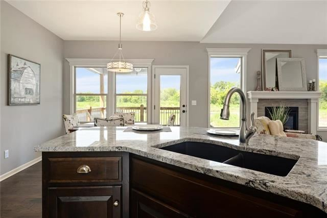 1288 NW Lindenwood Drive, Grain Valley, MO 64029