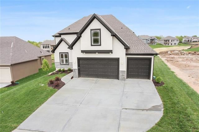 7335 NW Clore Drive, Parkville, MO 64152