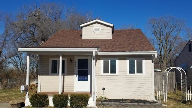 11534 E 10th Street, Independence, MO 64054