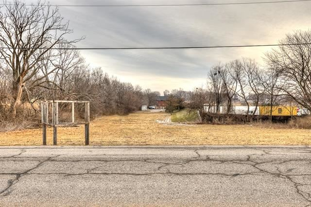 Sobbie Road, Pleasant Valley, MO 64068