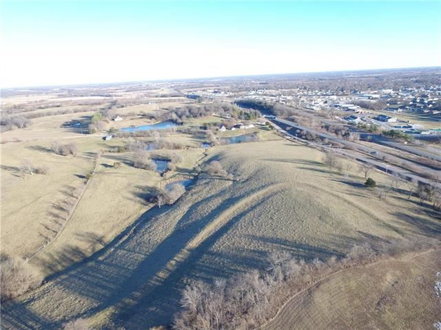8245  Outer Road, Odessa, MO 64076