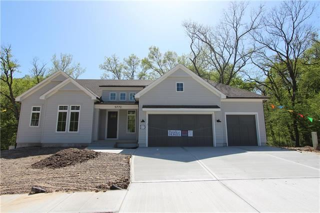 5772  Thousand Oaks Drive, Parkville, MO 64152