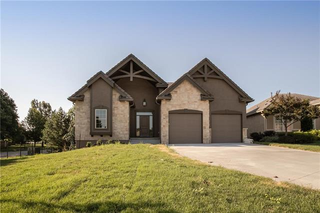3853 NW Cimarron Street, Lee's Summit, MO 64064