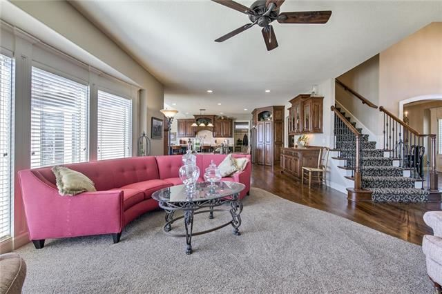 4430 NW Sienna Ridge Avenue, Riverside, MO 64150