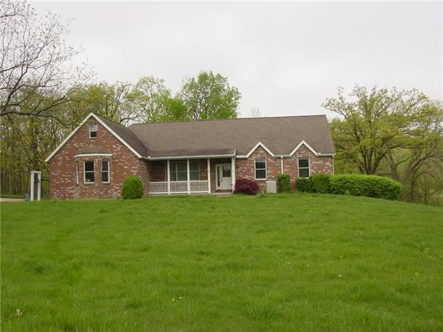 229 SE 581st Road, Warrensburg, MO 64093