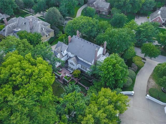11717  Manor Road, Leawood, KS 66211