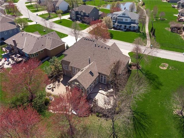 4305 SW Gull Point Drive, Lee's Summit, MO 64082