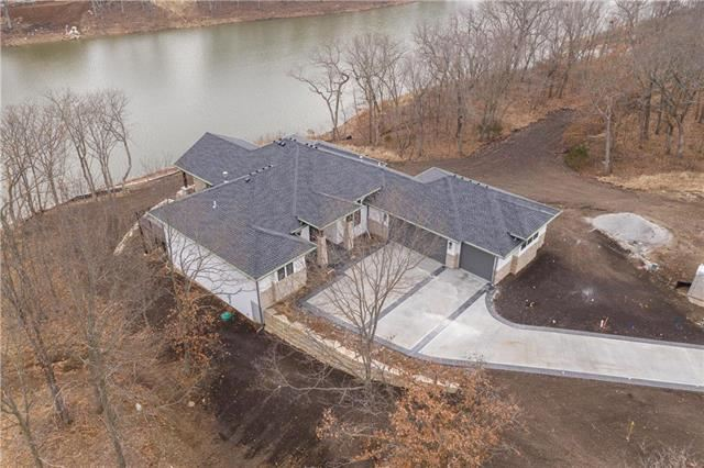 14  Dakota Circle, Lake Winnebago, MO 64034