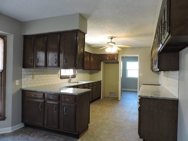 16525 E 36TH Street, Independence, MO 64055