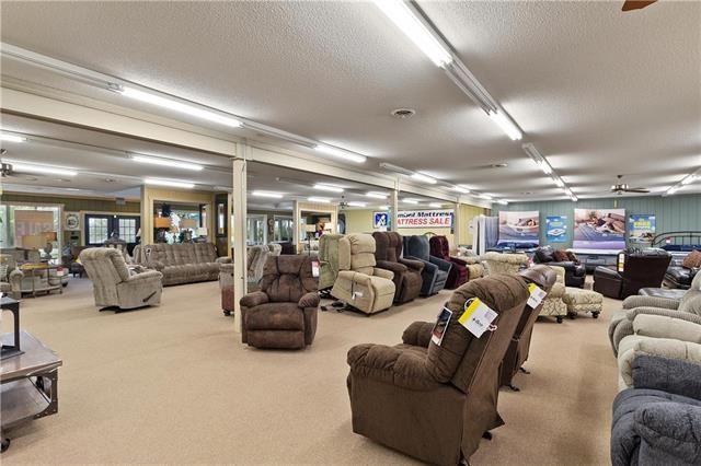 1740 W 69 Highway, Excelsior Springs, MO 64024