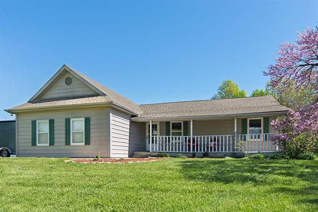 1208 E 2100th Road, Eudora, KS 66025