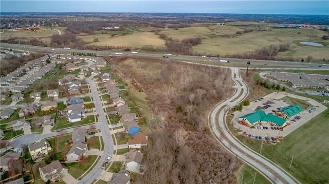 Rush Creek Parkway, Liberty, MO 64068