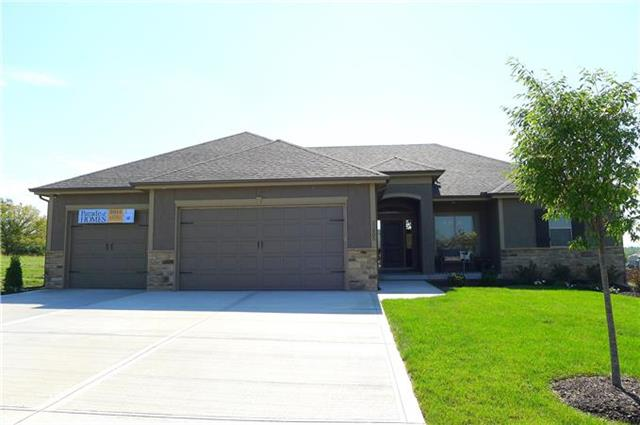 4304 S Stone Canyon Drive, Blue Springs, MO 64015
