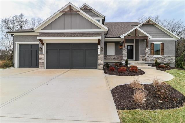 2622 SW River Trail Road, Lee's Summit, MO 64082