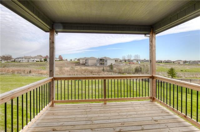 2105  Foxtail Point, Kearney, MO 64060