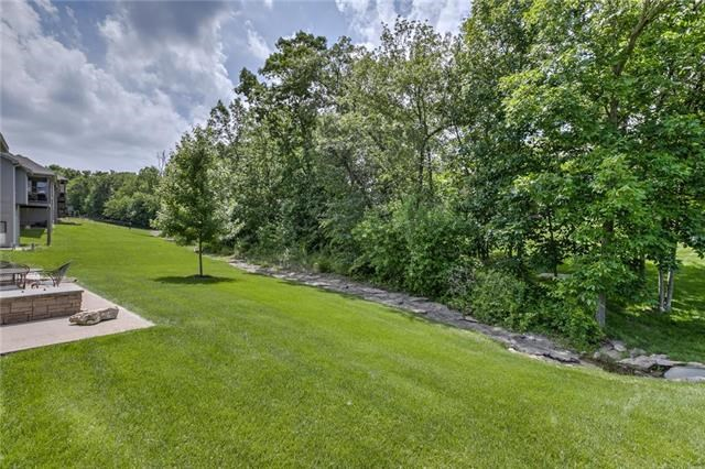 1401 NE Daltons Ridge Drive, Lee's Summit, MO 64064