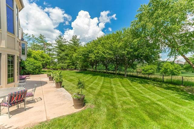 2845 W 111th Terrace, Leawood, KS 66211