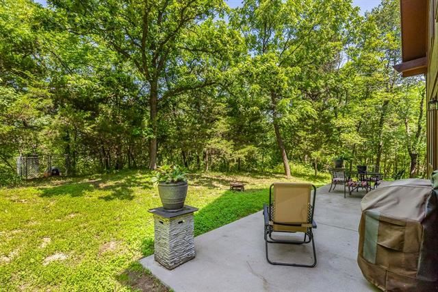1000 NE 145TH Terrace, Smithville, MO 64089