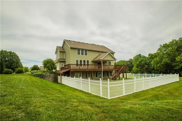 14906  Lake Pointe Court, Liberty, MO 64068