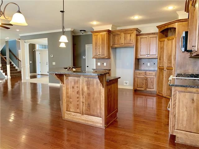 3116 SE 3rd Court, Lee's Summit, MO 64063