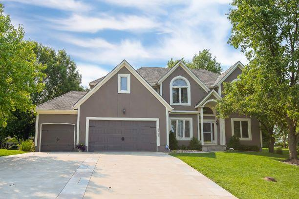 4605 NW Birkdale Court, Lee's Summit, MO 64064