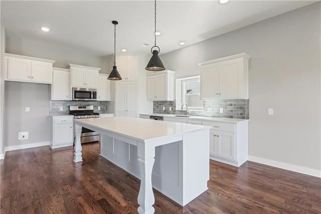 13790 NW 73rd Street, Parkville, MO 64152