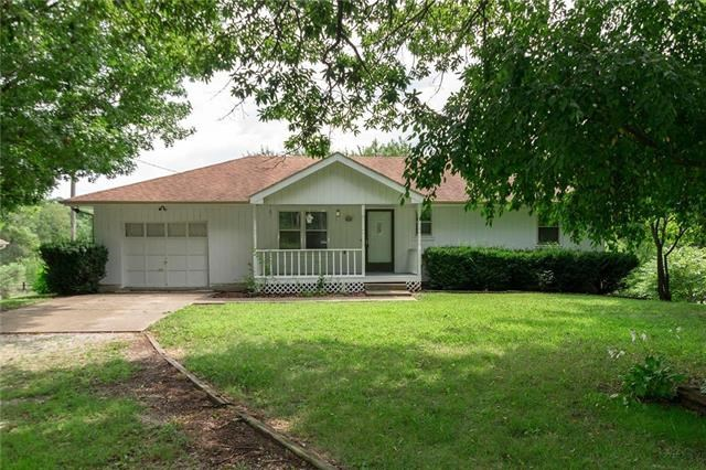 102  PEACH TREE Lane, Greenwood, MO 64034