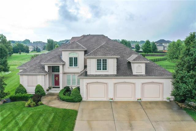 617 NE Sundance Trail, Lee's Summit, MO 64086